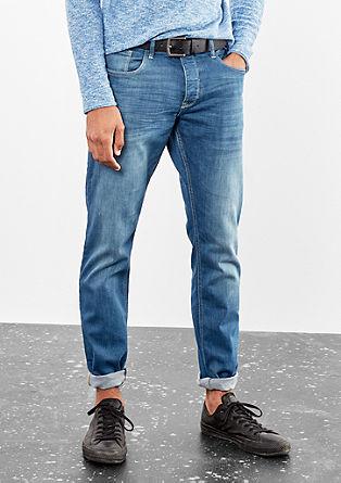 Pete Straight: Jeans mit Gürtel