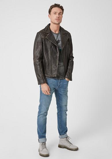 Kožená bunda sobnošeným vzhledem