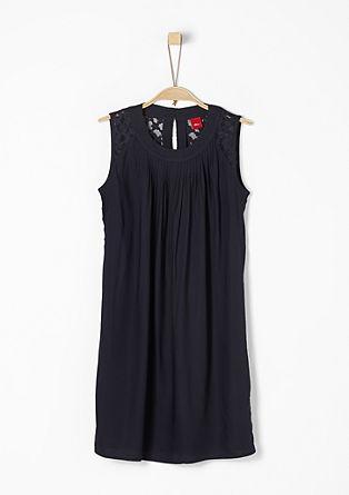 Lockeres Kleid mit Spitzenpasse