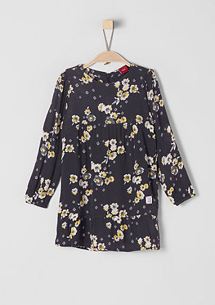 Zmečkana obleka s cvetličnim vzorcem