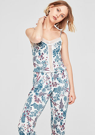 Gemusterter Pyjama mit Spitze