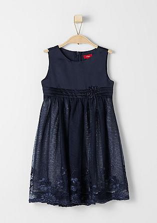 Elegantes Kleid im Materialmix