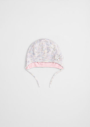 Mütze mit Schleifchen