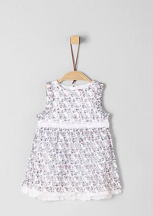 Čipkasta obleka z detajli iz tila