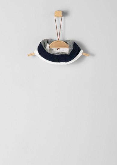 Pletená kruhová šála s plyšovou podšívkou