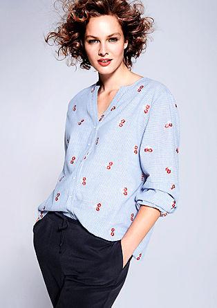Bluse mit gesticktem Blumenmuster