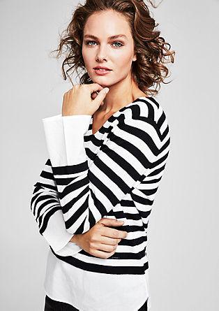 Črtast pulover z robom v videzu bluze