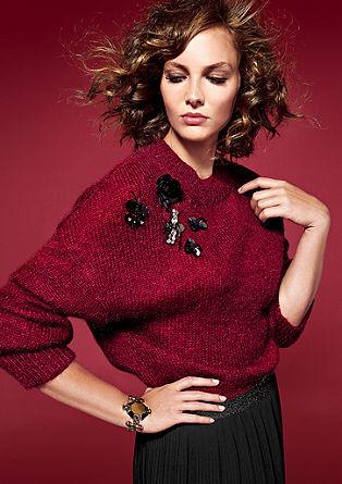 Topel pulover z okrasnimi detajli