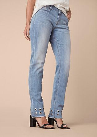 Curvy Slim: Jeans mit Lochnieten