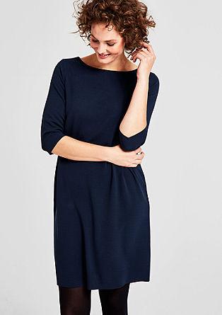 Preprosta raztegljiva obleka