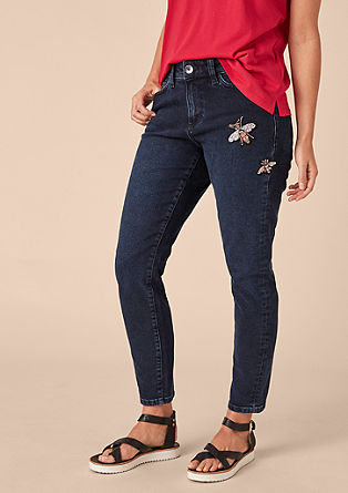 Curvy slim: jeans met applicaties