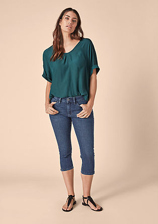 Curvy Slim: washed Capri jeans from s.Oliver