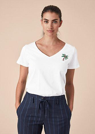 V-Neck-Shirt mit Artwork-Patch
