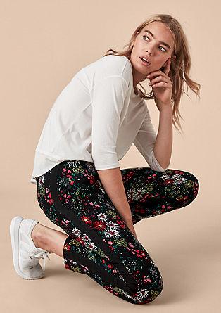 hlače s cvetličnim vzorcem