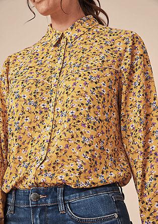 Krepová halenka s květovaným vzorem