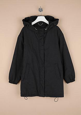 Zimska jakna s sproščeno kapuco