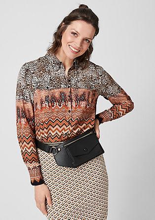 Urbana srajčna bluza z mešanico vzorcev