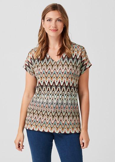 Vrstvené tričko s háčkovaným vzhledem