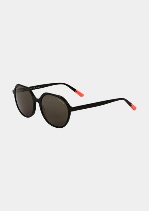 Sonnenbrille in geometrischer Form