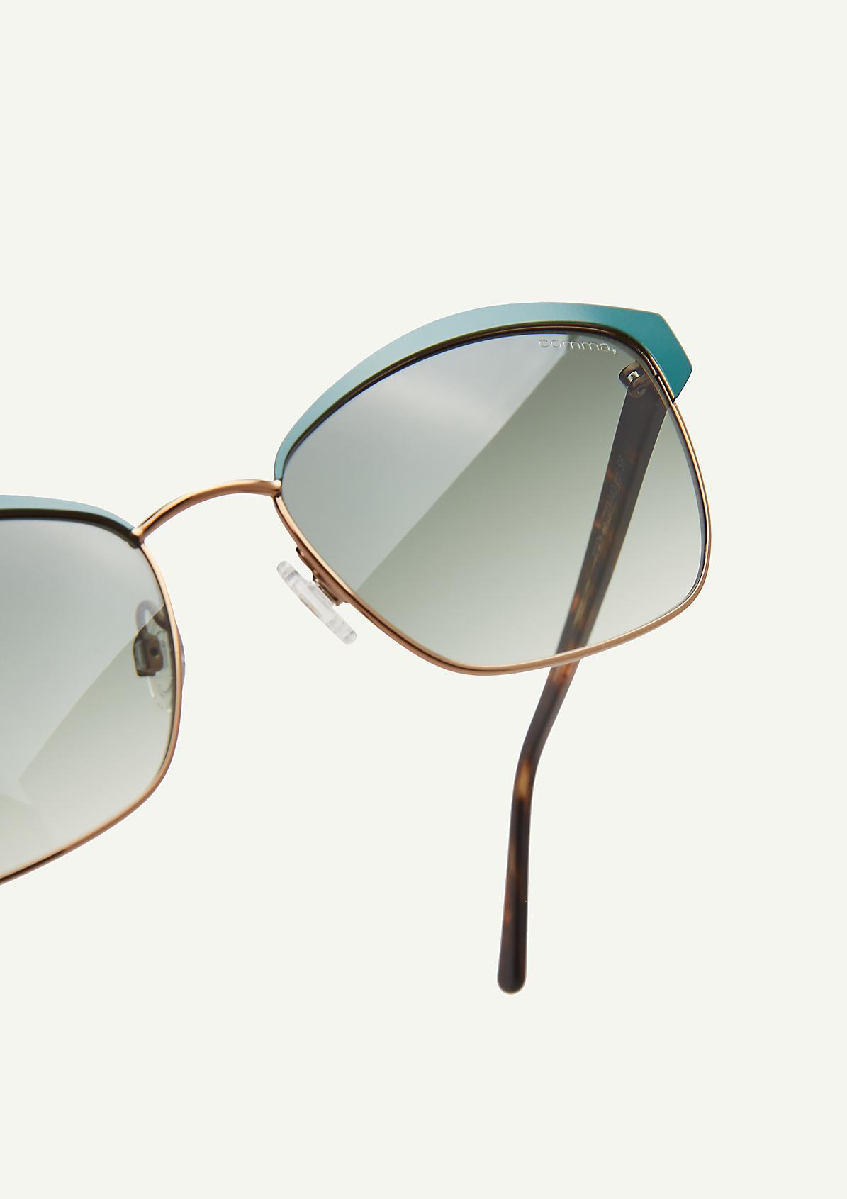 Sonnenbrille in spannender Form