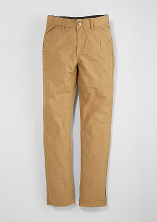 Chinos: coloured twill trousers from s.Oliver