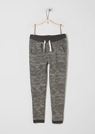 Joggingové kalhoty s maskovacím vzorem