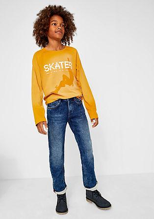 Pete: športni jeans s kovicami spranega videza