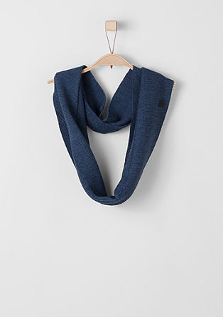 Lightweight, chunky knit snood from s.Oliver