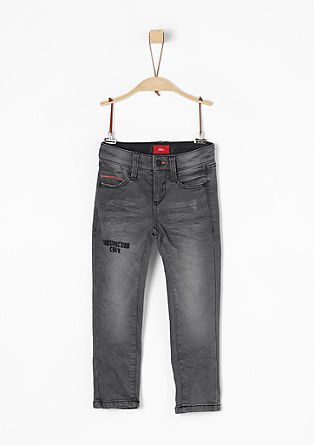 Brad: Bestickte Stretchjeans