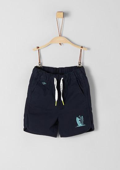 Sportive Shorts mit Miniprint