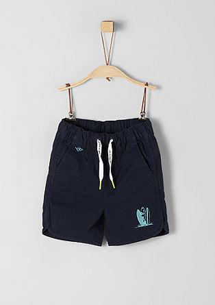 Športne kratke hlače z majhnim potiskom