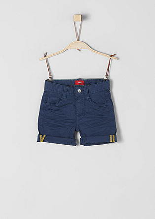Pelle: textured Bermudas from s.Oliver