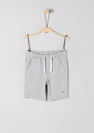 Bermuda hlače iz džersija v slogu jogging