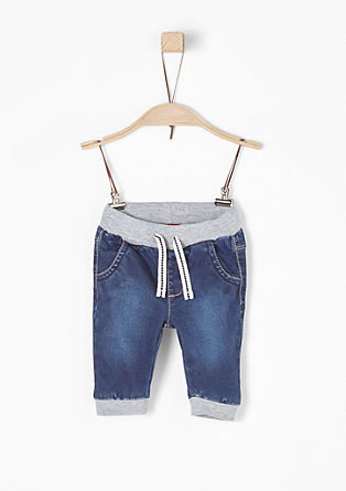 Jeans mit Jersey-Details