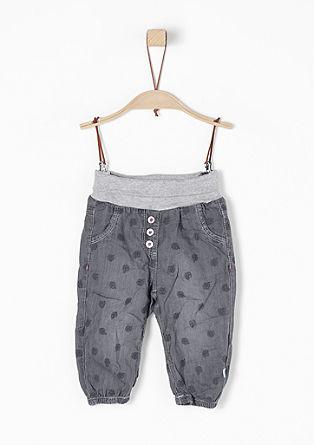 Jeans mit Kleeblatt-Stickerei