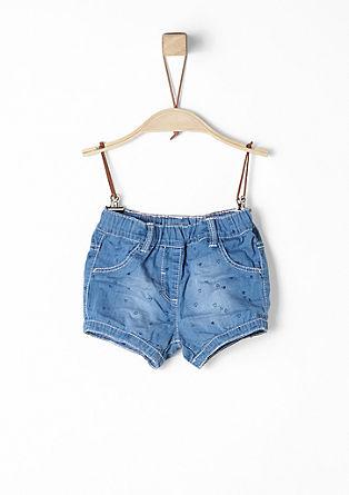 Leichte Denim-Shorts mit Herzchen