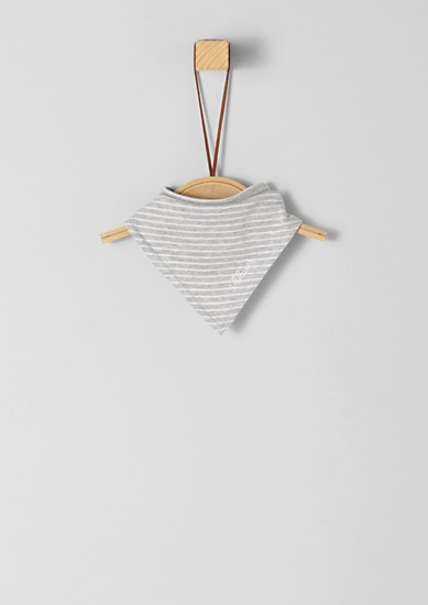 Trojcípý šátek s pruhy