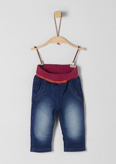 Strečové džíny s žebrovým pasem
