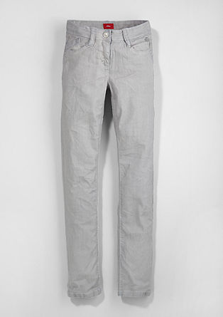 Skinny Suri: pigment dyed stretchjeans