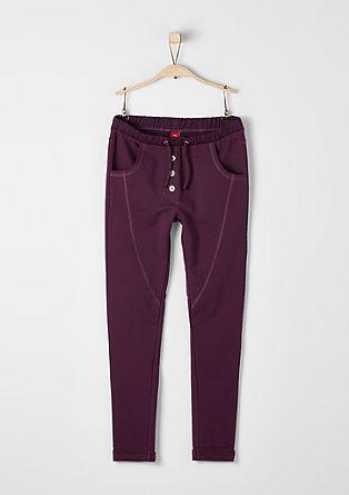 Jogging hlače z efektnim šivom