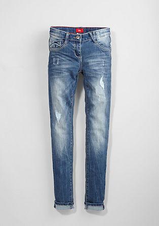 Skinny Suri: raztegljive jeans hlače z raztrganinami
