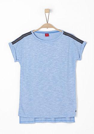 Shirt mit dekorierten Schultern