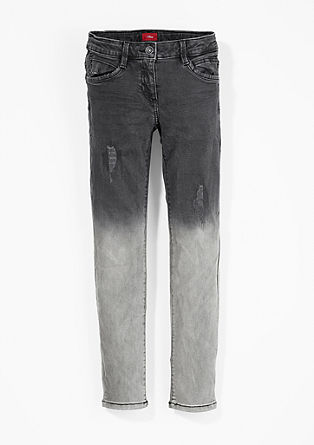 Suri Slim: Destroyed Denim