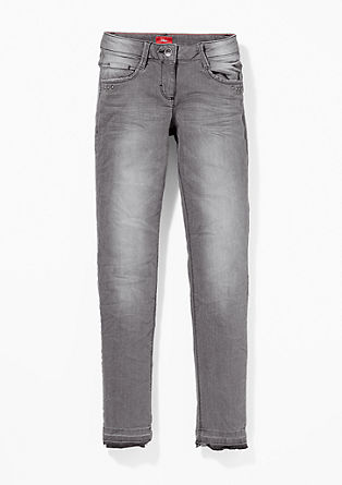 Suri: Graue Used-Jeans