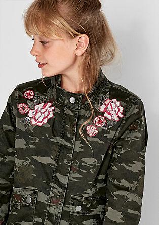 Camouflagejas met borduursels