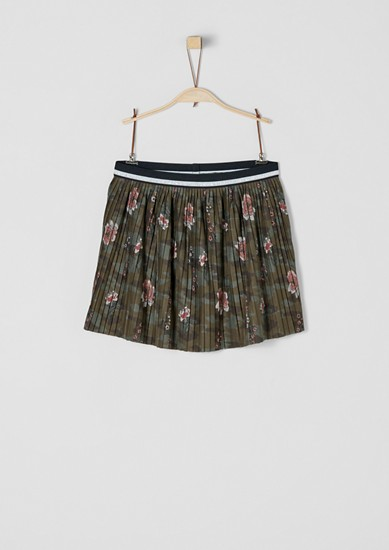 Short pleated skirt from s.Oliver