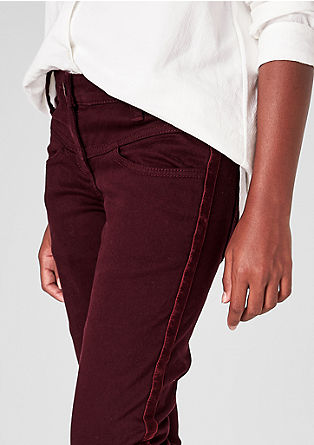 Skinny Suri: High-waisted trousers with velvet from s.Oliver