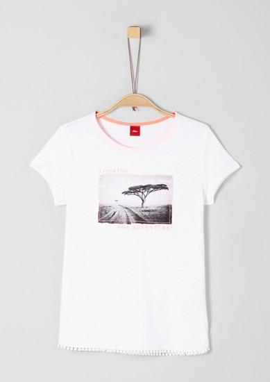 Artwork-Shirt mit Ziersaum