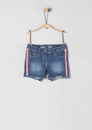 Skinny Suri: Shorts with neon details from s.Oliver
