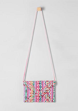Bunte Tasche im Ethno-Look